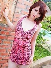 Miku Ohashi Nudes In The Poolside