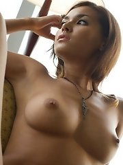 Maria Ozawa shows her naked body