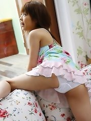 Sakurako sexy Asian teen model shows hot body