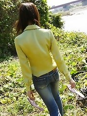 Hot Asian teen in tight jeans is sexy