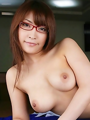 Cocomi Sakura Baring Big Boobs