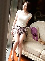 Yuzuka Kinoshita Stripping Off Small Panties