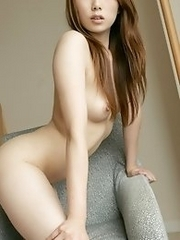 Beautiful and naked Japanese av idol Yu Minami shows her full naked body