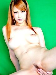 Tia Busty Green Screen Nude Date!